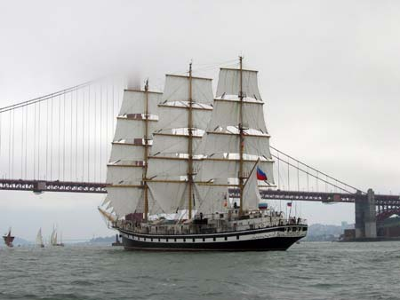 Square Rigger entering the Golden Gate in the Fog